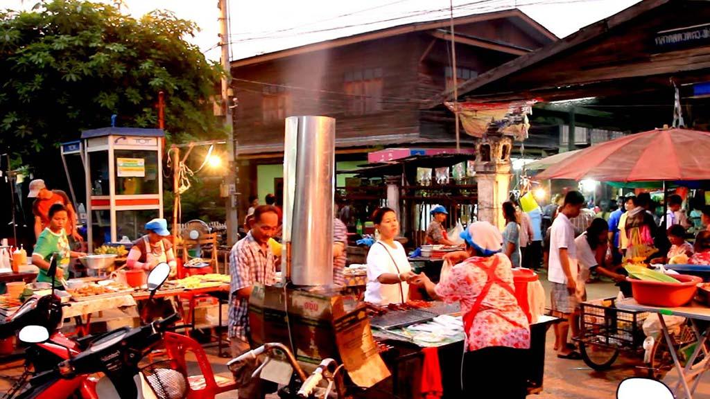 Street market, Sukhothai Historical Park.