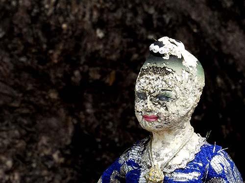 Woman's face figure.