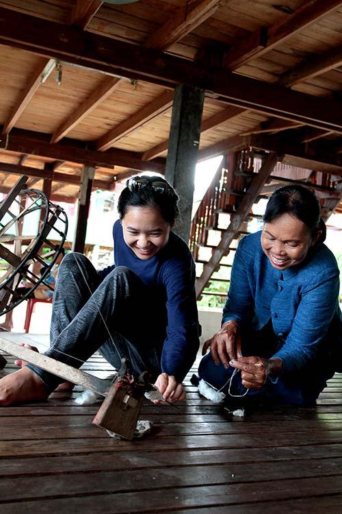 Knitting at home, Sakon Nakhon, Isaan.