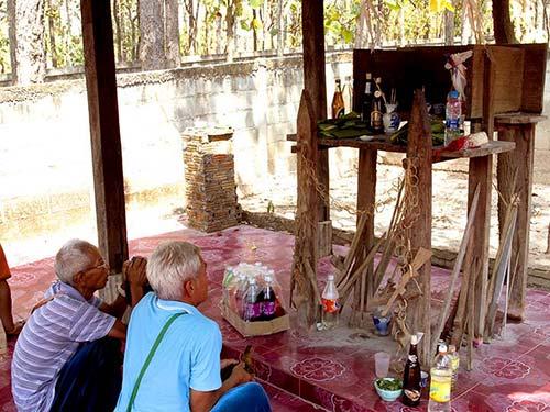 Altar of the Guardian spirit.