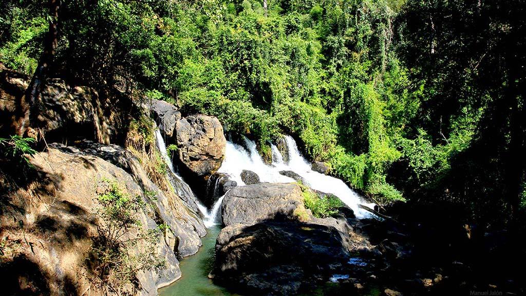 Tham Pla - Pha Suea Waterfall.