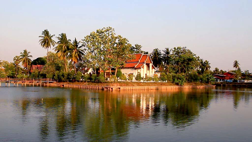 Monastery Traphang Thong, Sukhothai.
